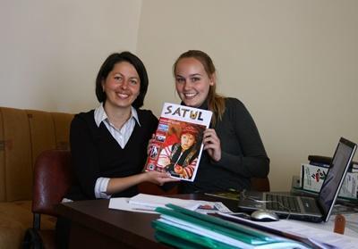 Werk samen met andere vrijwilligers voor een lokaal tijdschrift en doe ervarin op in de journalistiek tijdens deze jongerenreis.