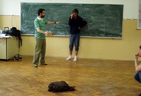 Doe vrijwilligerswerk op het drama project in Roemenië en geef workshops aan lokale studenten.