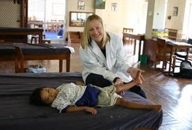 Tijdens fysiotherapie vrijwilligers kun je als vrijwilliger nuttige praktische ervaring op doen.