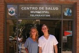 Vrijwilligers op het geneeskunde project in Argentinië doen medische ervaring op in een lokaal ziekenhuis.