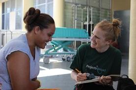 Praat met de lokale bevolking over gezonde voeding als je vrijwilligerswerk doet op dit voedingsproject in Samoa.