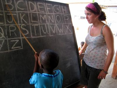 Leer kinderen het alfabet