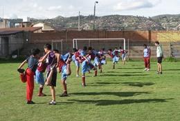 Zet jouw ervaring als sportleraar in door vrijwilligerswerk te doen op een school of sportclub in Peru.