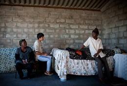 Breng een bezoek aan lokale gemeenschappen in Tanzania en zet jouw ervaring als advocaat in door te vechten voor hun rechten.