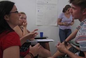 Help als vrijwilliger bij bewustwordingscampagnes en onderzoek naar mensenrechten in Argentinië.