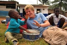 Door sociaal vrijwilligerswerk te doen in Ghana kun je een bijdrage leveren aan de zorg en dagopvang van kinderen.