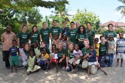 Groepsreis bij sociaal project in Fiji